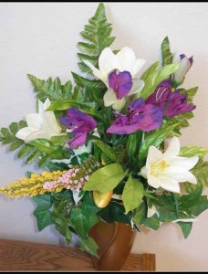 Crypt Bouquet J-0504 Alstroemeria/ Easter Lily $20.00