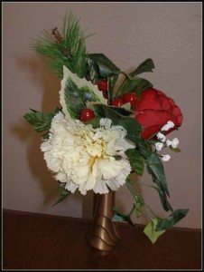Niche Fluted Bouquet White Carnation/Red Rose $12.00