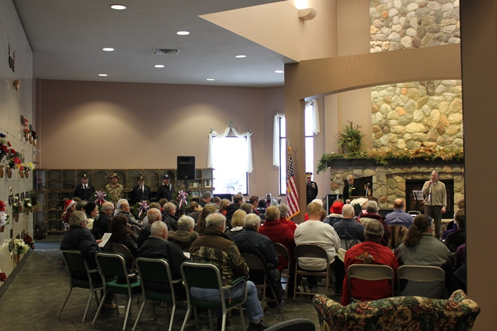 Holiday Memorial Service Aberdeen SD crowd 2013