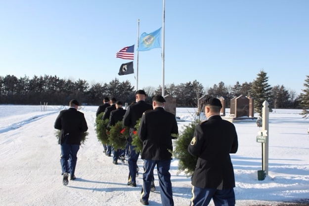 outdoor wreath march 2016 Sunset Aberdeen cemetery holiday service