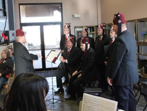 shriners perform Aberdeen cemetery Holiday memorial
