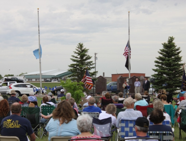 Memorial Day Ceremony crowd Aberdeen SD cemetery