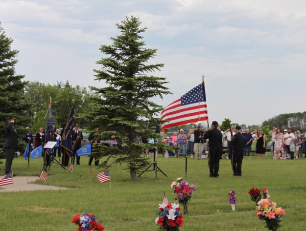 flag ceremony Aberdeen SD cemetery